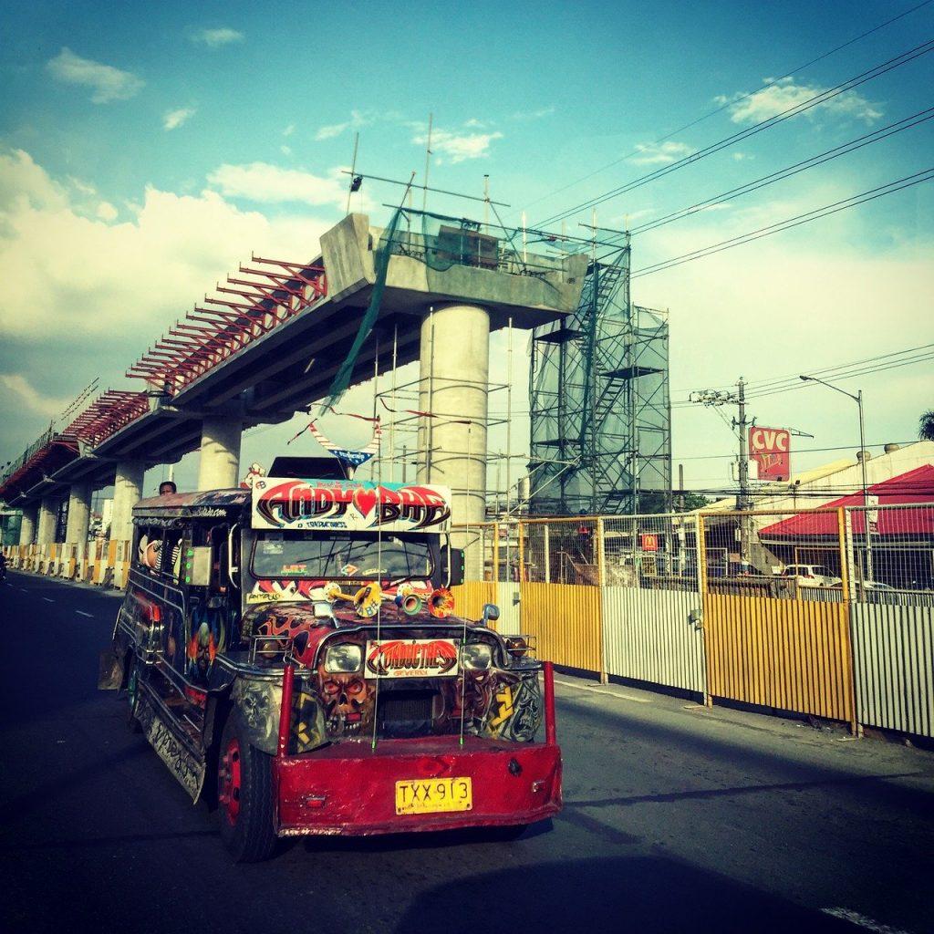 jeepney 1024x1024 - Resa runt i Filippinerna
